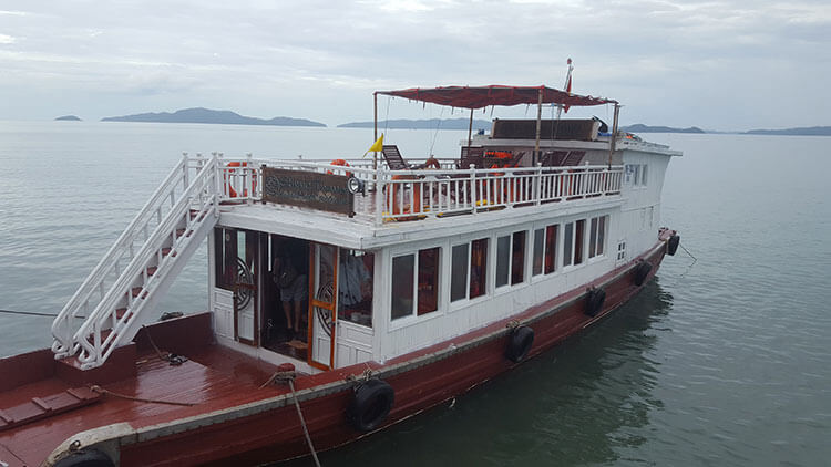 Vietnam - Halong Bay - Bai Tu Long Bay Tour