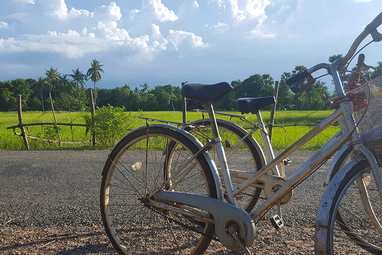 Kampong Chhnang - bicycle ride to pottery village