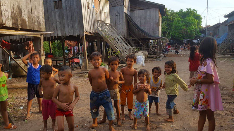 Tips for traveling in Cambodia - Cambodian kids
