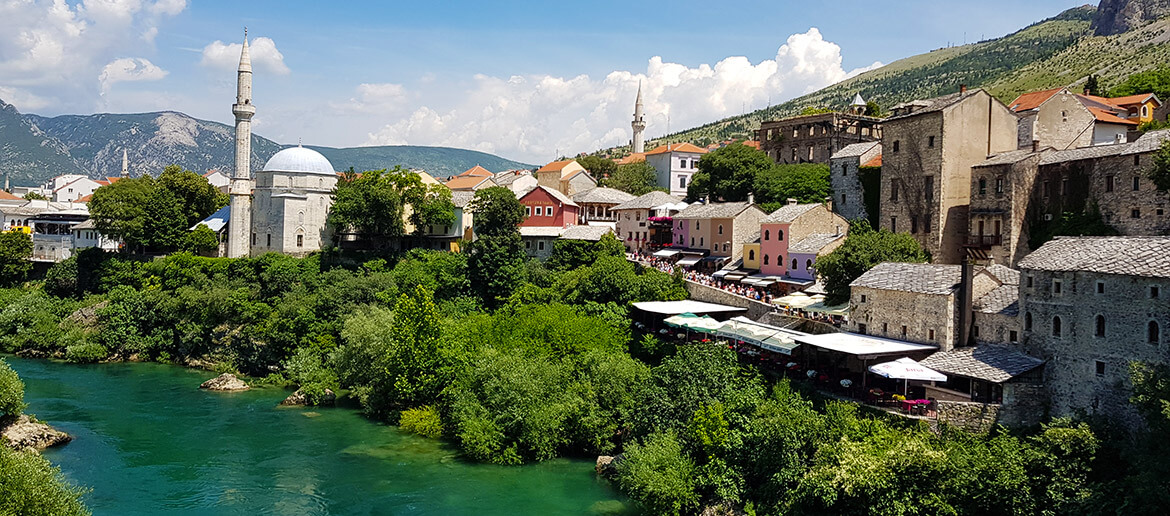 Top Things to Do in Mostar: Markets, Mosques and Mad Divers
