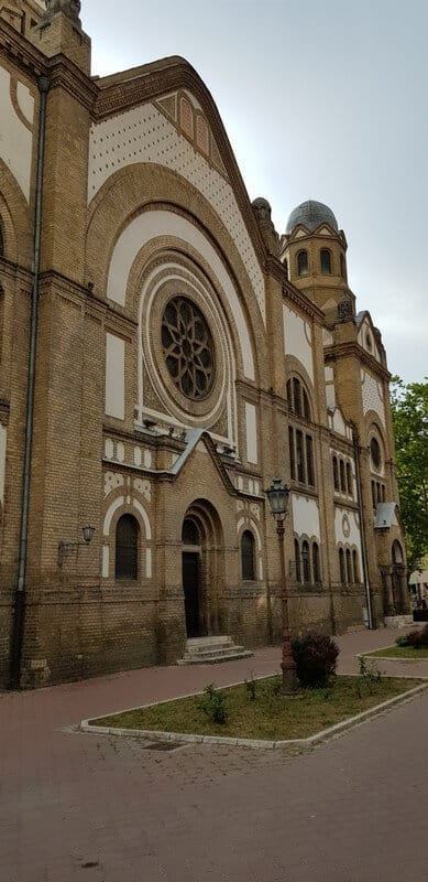 Sightseeing Tour of Novi Sad: Novi Sad Synagogue