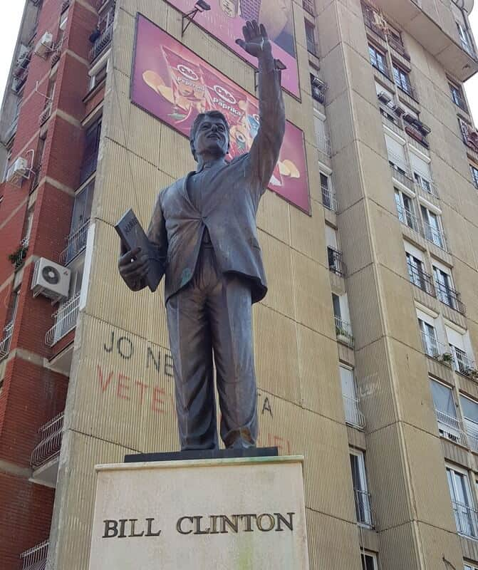 Things to do in Pristina: A city guide: Bill Clinton Statue