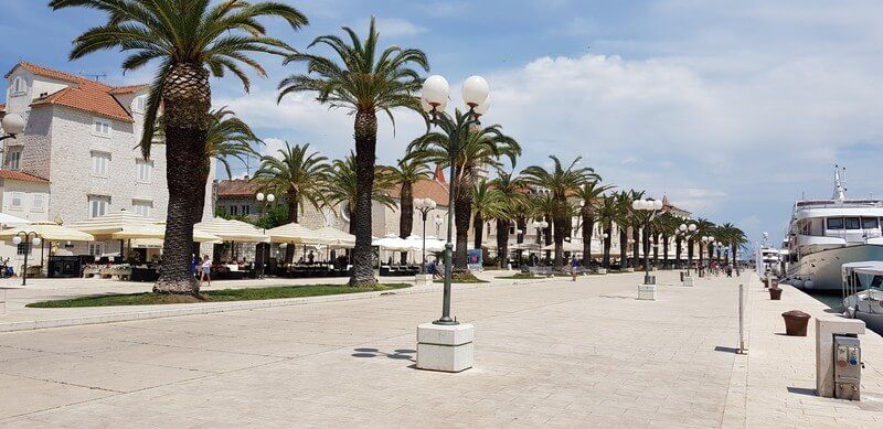 Things to do in Trogir: Seafront promenade