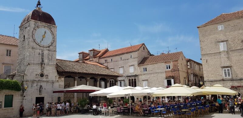 Things to do in Trogir: Eat in the main square