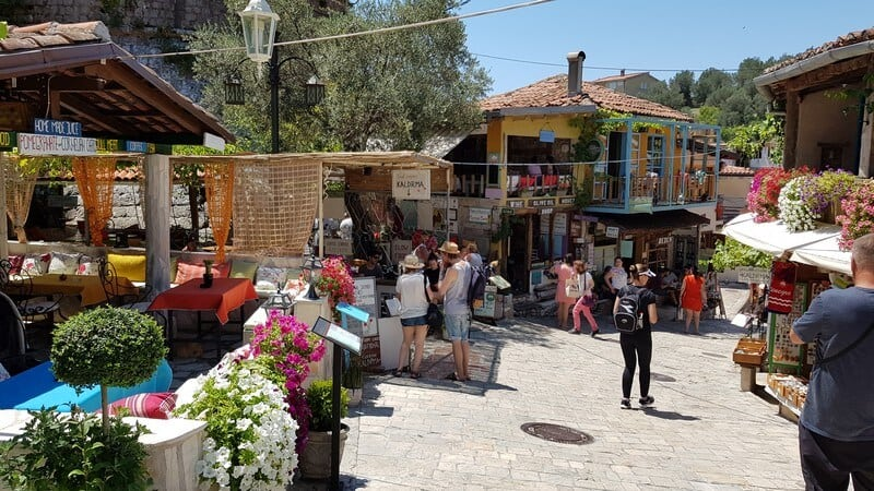 Stari Bar Restaurants and Souvenir Shops