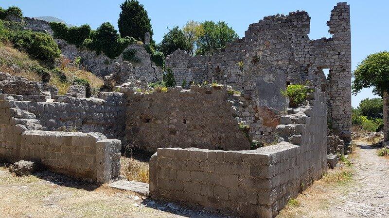 Stari Bar ruins
