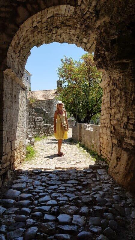 Walking the walls in Stari Bar