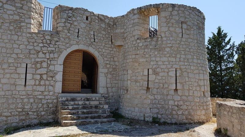 Lake Skadar: Besac Fortress