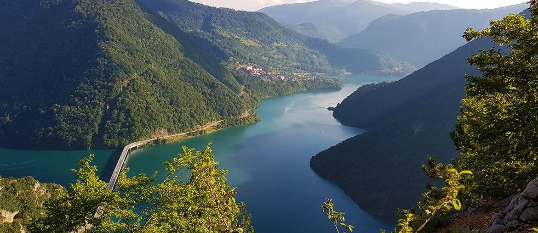 Pluzine: Piva River, Piva Lake and Too many tunnels