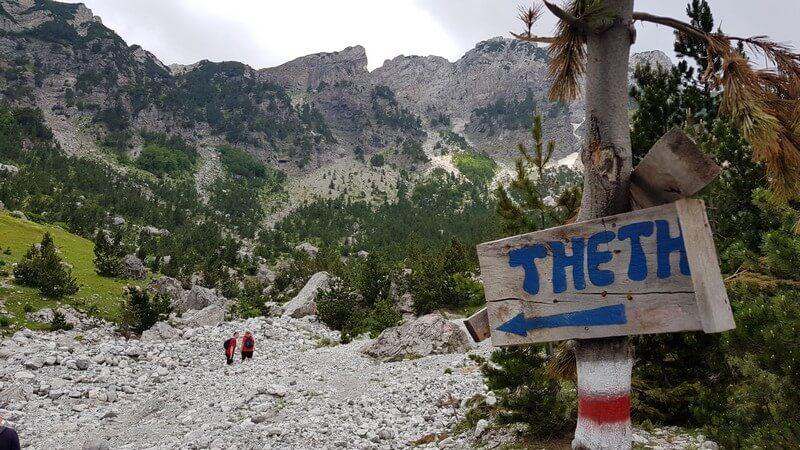 Valbone to Thethi hike: thethi sign