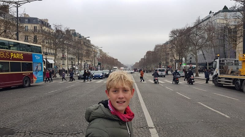Paris for a day - Champs Elysee