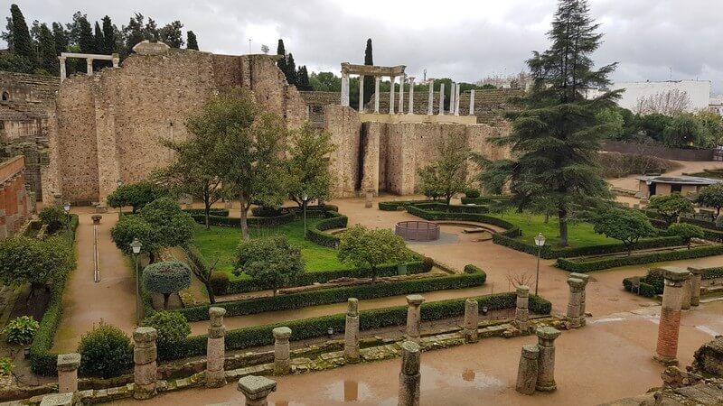 Merida Roman Ruins: Theatre Gardens