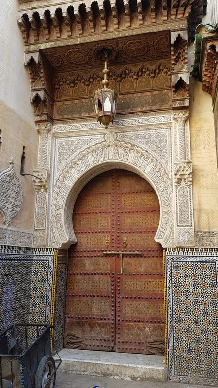 Tour of Fes medina: More archways