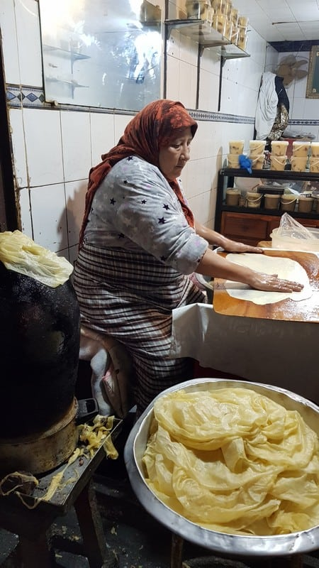 Tour of Fes medina: Making pancakes