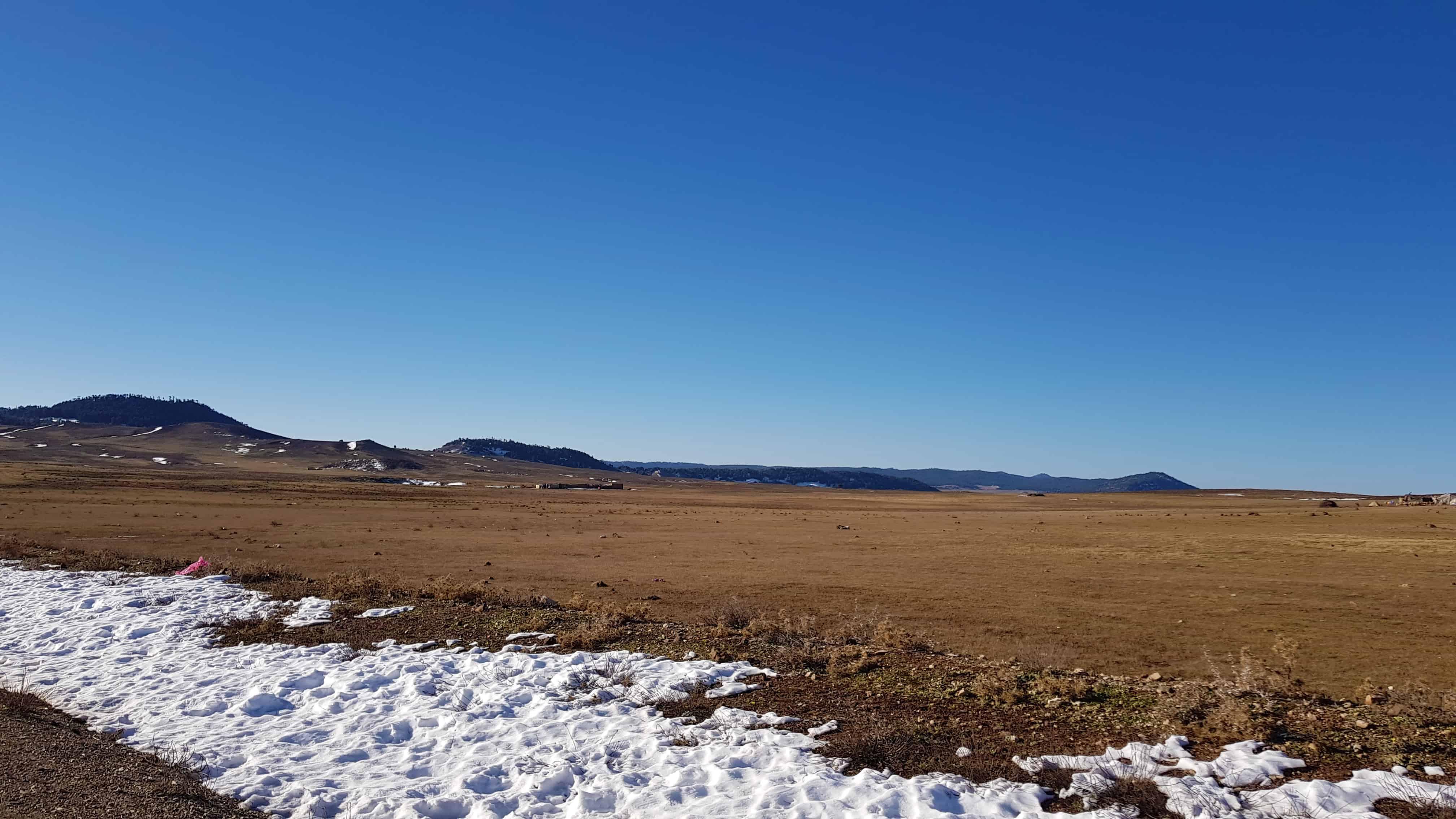 Azrou to Ziz Gorge: Snowy scenery