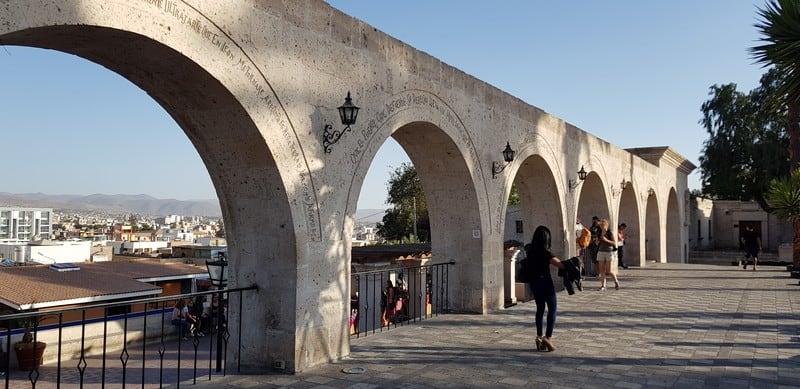 Yanahuara Plaza