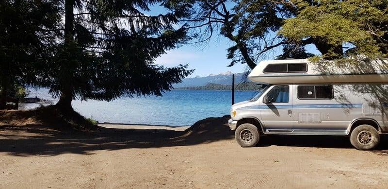 Puerto Manzano wild camping on the lake